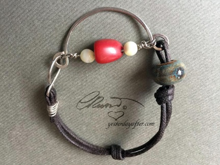 Coral wired bracelet2a
