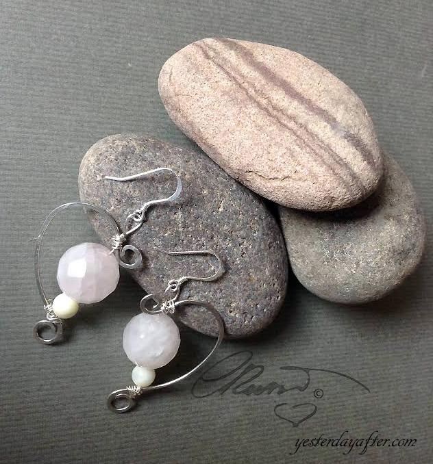 Half heart earrings1a